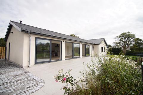 3 bedroom detached bungalow for sale - Frongoch
