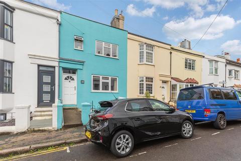 3 bedroom house for sale - Kingsbury Road