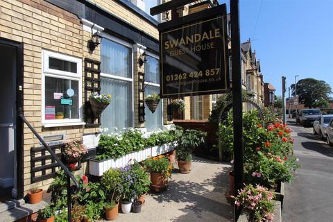 Guest house for sale - Swanland Avenue, Bridlington