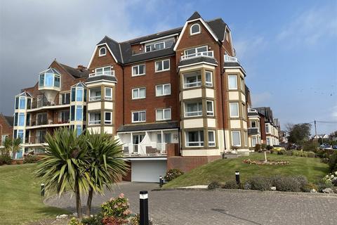 3 bedroom apartment for sale - Vernon Lodge, 99 South Promenade, Lytham St Annes