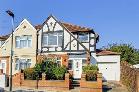3 bedroom semi-detached house for sale - Kynaston Road, Bromley, BR1
