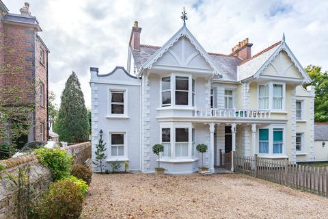 4 bedroom character property for sale - Lyndhurst, Les Gravees, St Peter Port, GY1