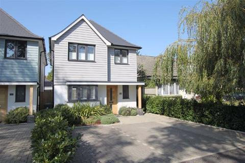 4 bedroom detached house for sale - Rose Gardens, Highcliffe, Christchurch, Dorset