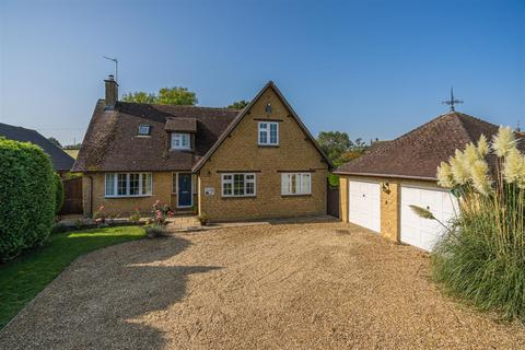 5 bedroom detached house for sale - High Street, Stoke Goldington, Newport Pagnell