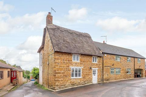 3 bedroom cottage for sale - Manor Road, Spratton, Northampton, Northamptonshire