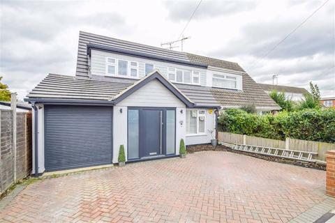 4 bedroom semi-detached house for sale - Fairway Gardens, Leigh-on-sea, Essex
