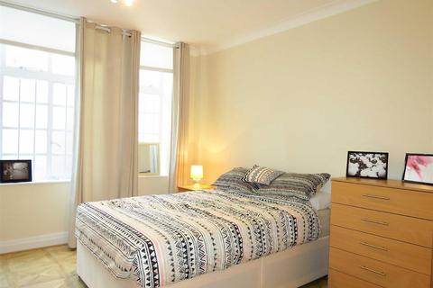 Studio to rent - Fursecroft, Brown Street, Marylebone,W1