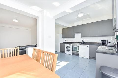 4 bedroom house to rent - Park Drive, Acton, W3