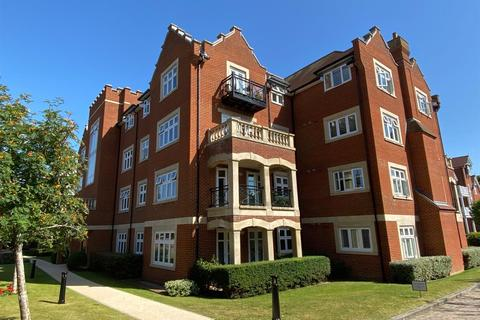 2 bedroom flat for sale - Darley Road, Meads, Eastbourne
