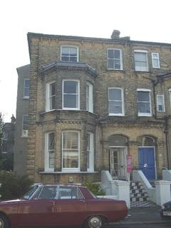 Studio to rent - Selborne Road, Hove