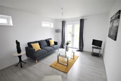 3 bedroom apartment to rent - Walmsley Court, Wellington Road, Eccles