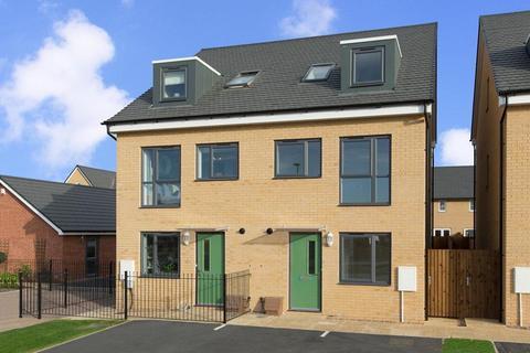 4 bedroom semi-detached house for sale - Plot 42, Queensville at Barratt Homes Eagles' Rest, Burney Drive, Wavendon MK17