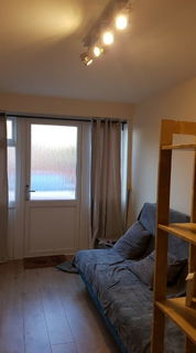 Studio to rent - Westminster Drive, London