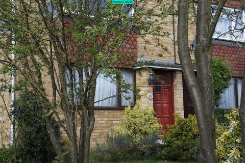 2 bedroom maisonette to rent - Green Tiles Lane, Denham, Uxbridge, UB9 5HT