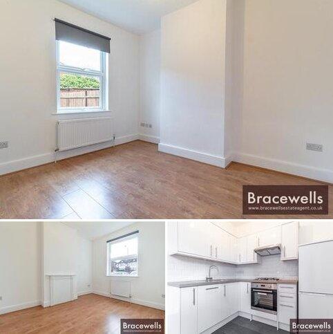 1 bedroom ground floor flat to rent - Bounds Green Road, London N11