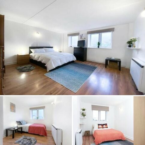3 bedroom flat to rent - Kennard House, Francis Chichester Way SW11
