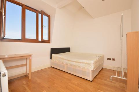 2 bedroom flat to rent - Ruzzaman House, 49A Mile End Road , London, E1