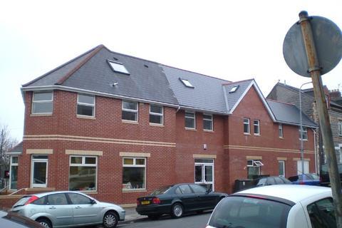 2 bedroom flat - Windsor Road, Penarth, The Vale Of Glamorgan. CF64 1JE