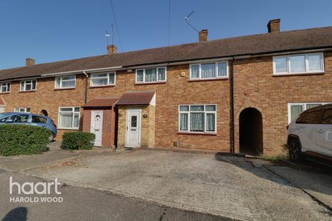 3 bedroom terraced house for sale - Woodbridge Lane, Romford