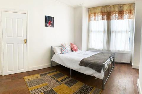 2 bedroom terraced house to rent - london n17