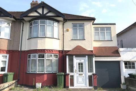 4 bedroom semi-detached house for sale - Eastern Avenue East, Romford, RM1