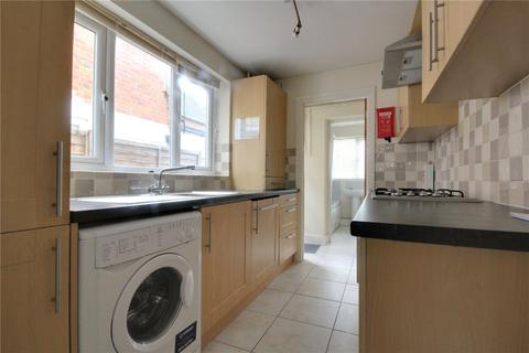 3 bedroom terraced house to rent - Wykeham Road, Reading, Berkshire, RG6