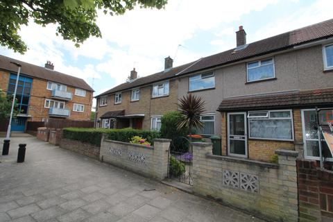 3 bedroom terraced house to rent - Thorne Close, London, E16