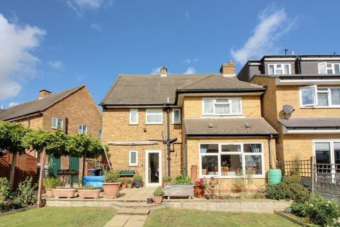 4 bedroom semi-detached house for sale - Tudor Crescent, Enfield