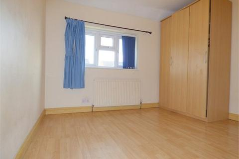 3 bedroom terraced house to rent - Parry Green North, Slough, SL3