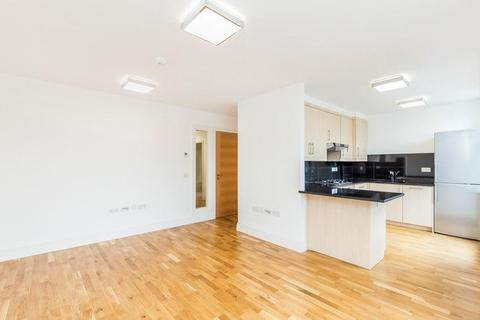 2 bedroom flat to rent - King Edwards Gardens, Acton, W3