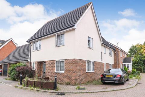 3 bedroom semi-detached house for sale - Yonge Close, Boreham, Chelmsford