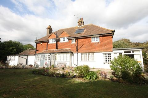 4 bedroom detached house for sale - Cooden Sea Road, Cooden, Bexhill, TN39