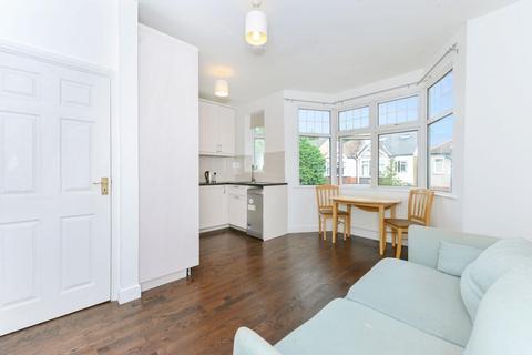 2 bedroom flat to rent - Sydney Road, Ealing, W13