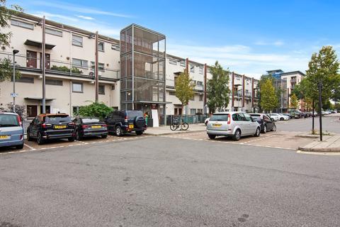 2 bedroom maisonette for sale - Fothergill Close, Plaistow , London, E13