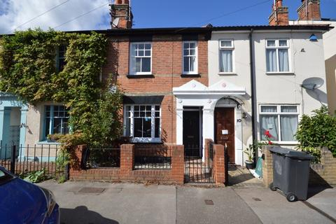 2 bedroom terraced house to rent - Manor Road, Chelmsford, CM2