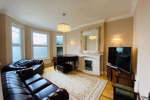4 bedroom detached house to rent - Butler Avenue, Harrow, Middlesex