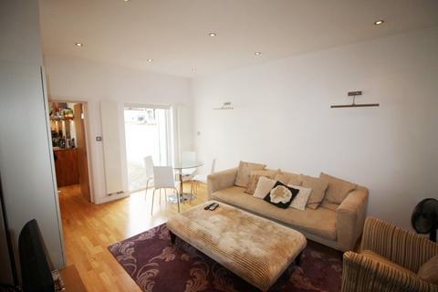 1 bedroom flat to rent - Elthorne Park Road, Ealing