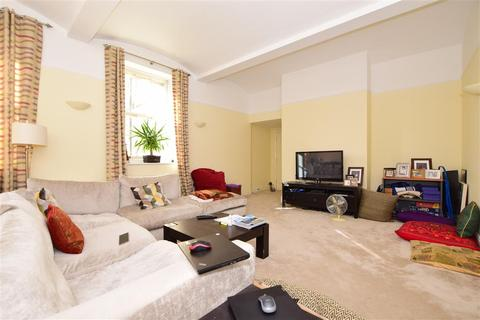 3 bedroom apartment for sale - Tarragon Road, Maidstone, Kent