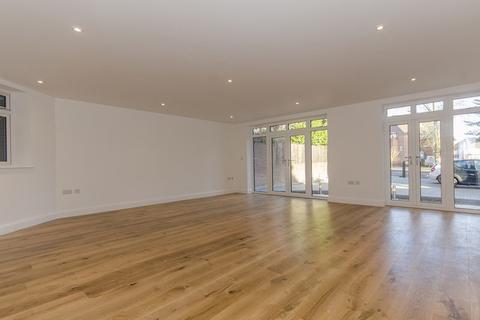 2 bedroom apartment to rent - Uxbridge Road, Harrow Weald, Stanmore, Middlesex, HA7