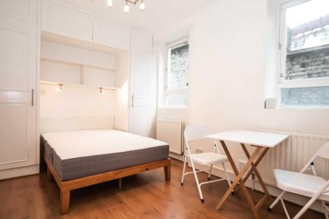 Studio to rent - Old Compton Street, Soho, W1D