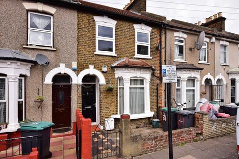 2 bedroom house for sale - Farningham Road, London, N17