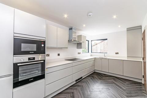 2 bedroom apartment to rent - Elmwood, Menlove Avenue, Liverpool, Merseyside, L18