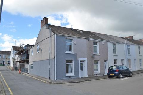3 bedroom end of terrace house for sale - Crole Street, Swansea, City and County of Swansea. SA1 6BL