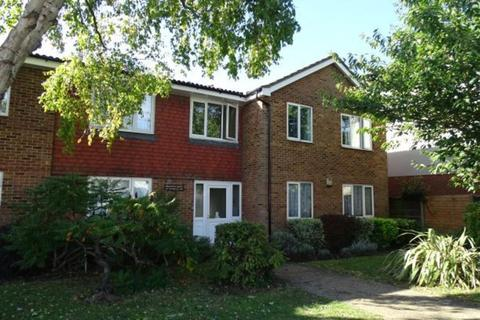 Studio for sale - Benjamin Court, Staines Road West, Ashford, TW15