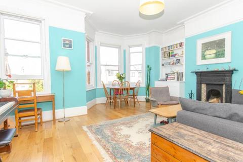 3 bedroom flat for sale - Sutton Road, N10
