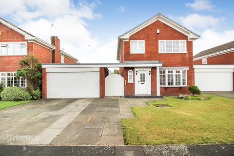4 bedroom detached house for sale - Ulverston Crescent,  Lytham St. Annes, FY8