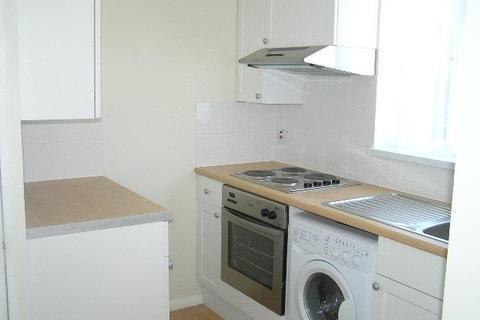 Studio to rent - High Street Crayford DA1