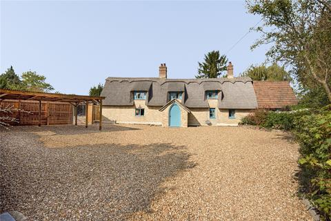 4 bedroom detached house for sale - Acre Road, Carlton, Newmarket, Suffolk, CB8