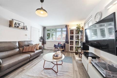 2 bedroom maisonette for sale - Stanford Road, London, SW16