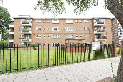 4 bedroom apartment to rent - McIntyre Court, Studley Road, London, SW4